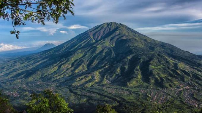 Panduan Lengkap Mendaki Gunung Merbabu Ketika Musim Hujan